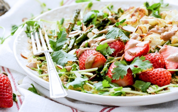 Strawberry pea shoot salad - bioenergetic cooking.